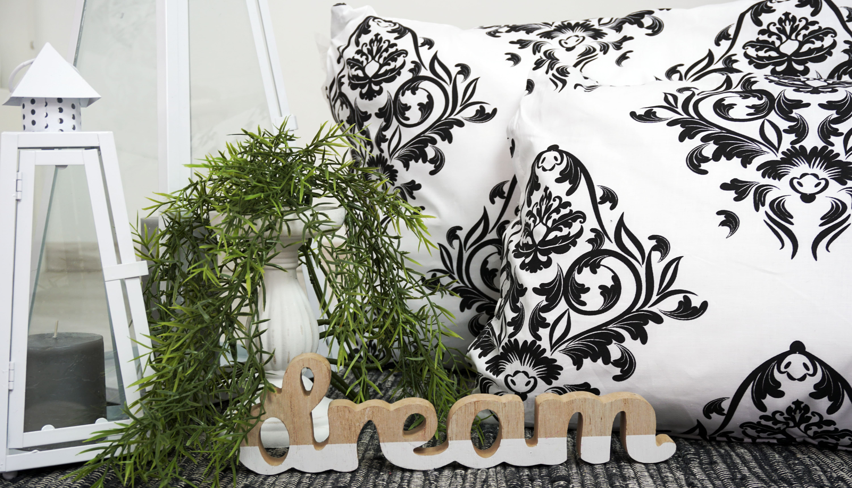čierno-biele posteľné obliečky