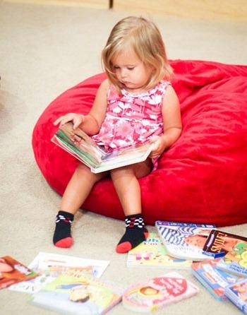 Čítanie v sedacom vaku