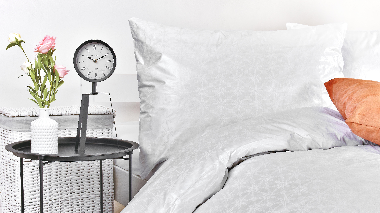 damaškové posteľné prádlo