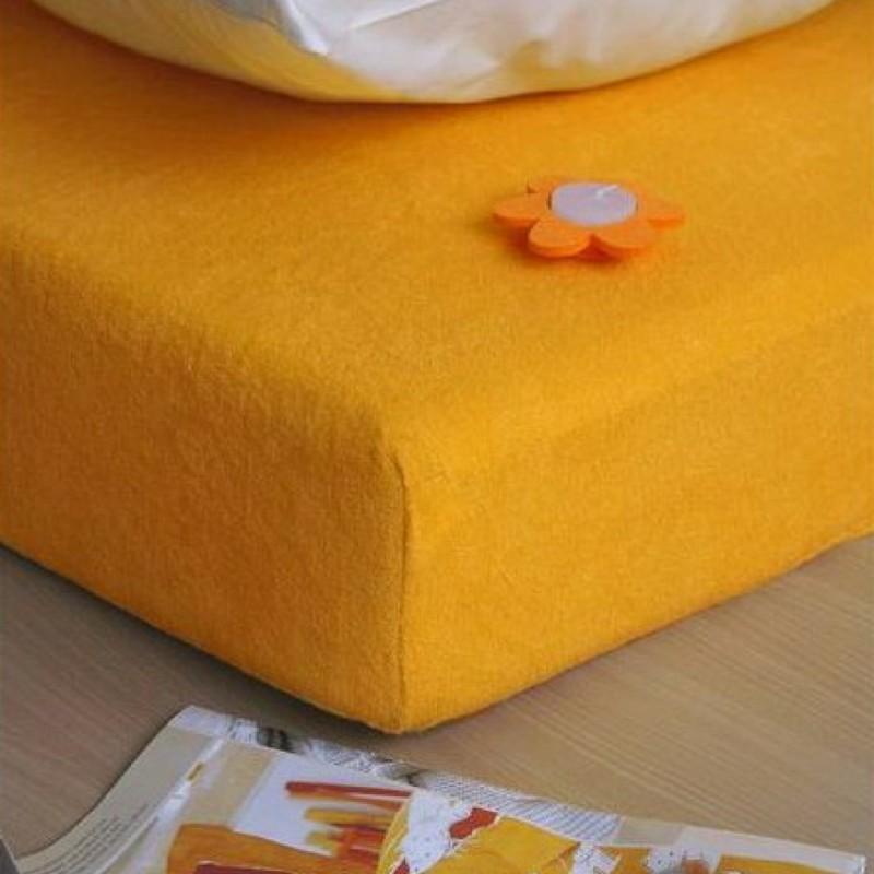 zlta plachta na postel